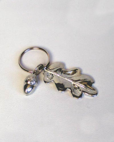 Acorn and oak-leaf key ring