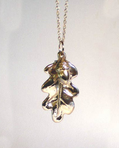Acorn with oak-leaf pendant