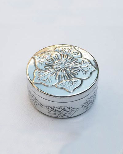 Love-in-the-mist trinket box